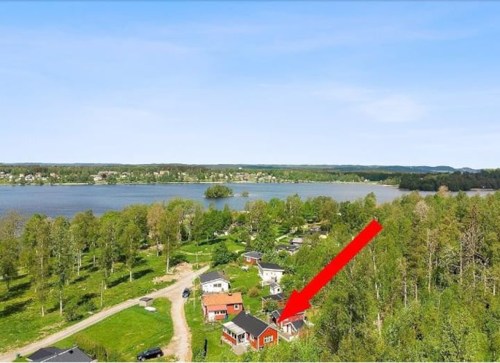 Sjönära nyrenoverad stuga i Vegby