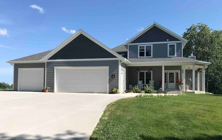Country Retreat, Close to Road America and Golfing