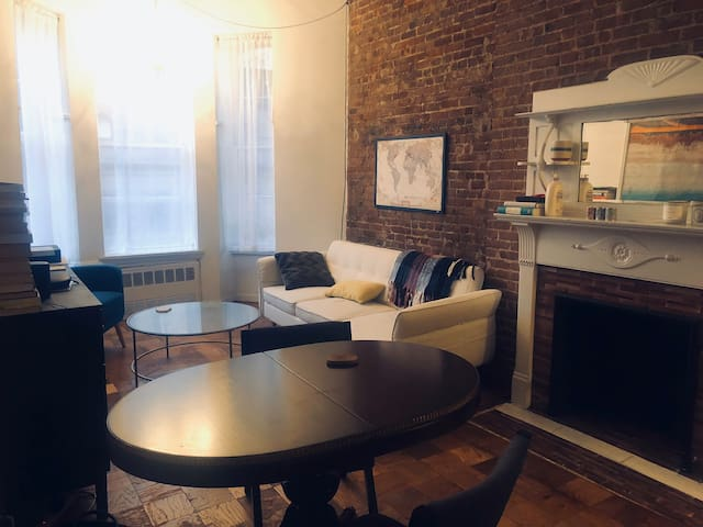 Beautiful 1br in UWS brownstone on Central Park