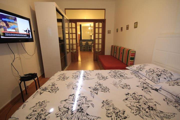 Ribeiro 612 | Nice flat | NO WiFi | NO TV | 4 PAX