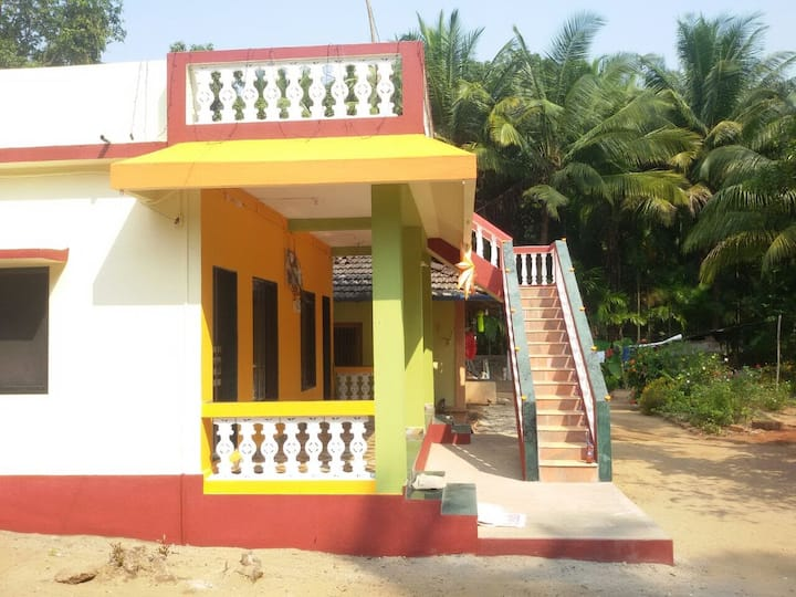 Home stay(2 rooms) near the beach