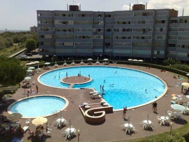 Picina,mar y cielo - Lido Adriano - Apartment