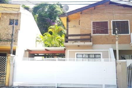 Casa em Atibaia com Piscina *Somente MENSAL