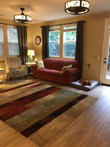 Private bedroom, bathroom near Claremont Colleges - Upland - Maison