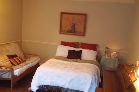 Magnolia Room - Stone Mountain