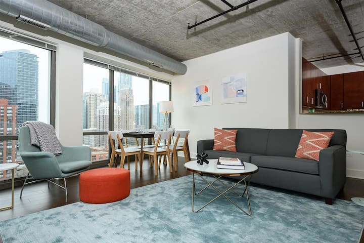 Kasa | Chicago | Stylish & Spacious 3BD/2BA South Loop Apartment