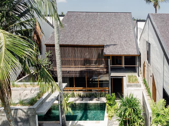 2 Bedroom pool villa + kitchen with rice view