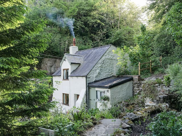 Rock Cottage (UK4098)