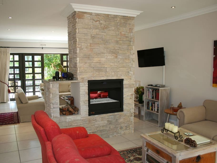 Reading Area & Gas Fireplace