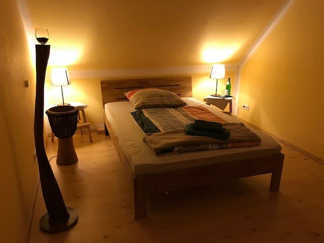 Zimmer Sonne im ruhigem großem Haus