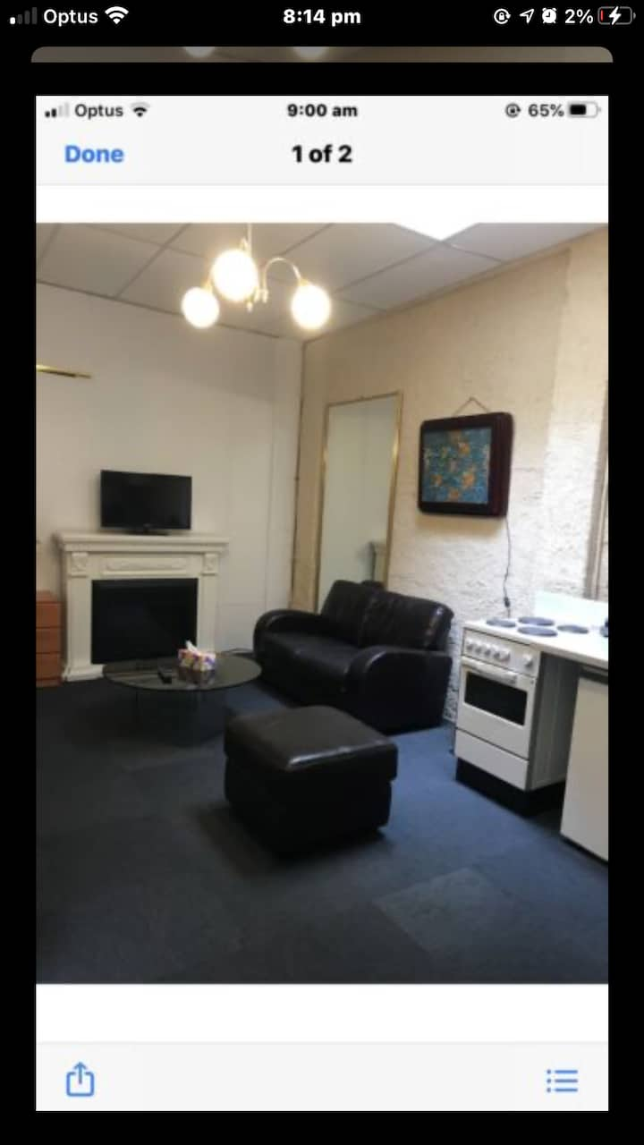 FULLY FURNISHED APARTMENT ON LYGON STREET