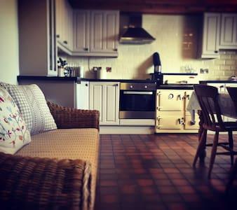 Snowdonia Farmhouse - Gwynedd - Dům