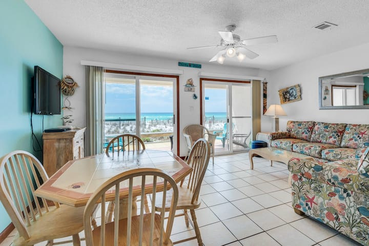 1st floor gulf front condo w/ amazing views, charcoal grills - walk to the beach