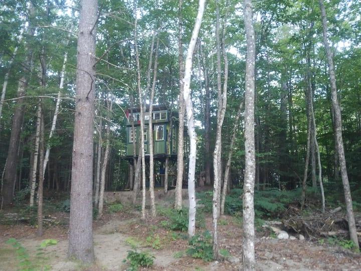 White Mountains Heated Treehouse PLUS Campsites!