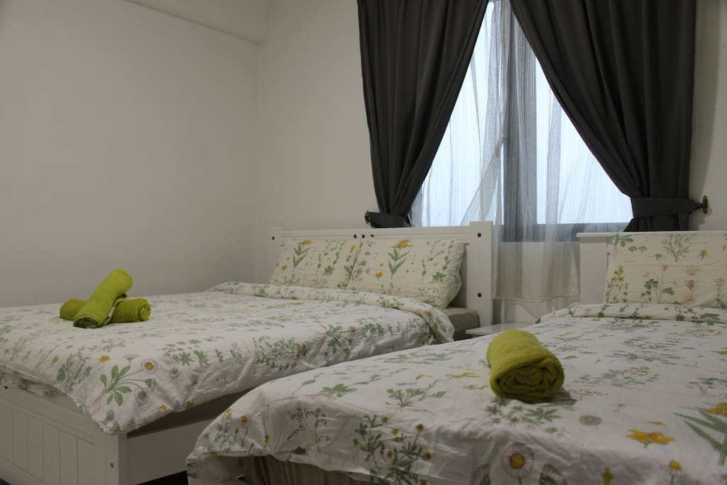 Bedroom 2 - This room have 1 queen and single bed