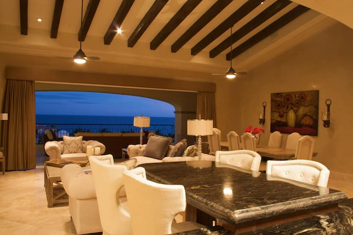 Luxurious Beach Penthouse View of Sea of Cortez