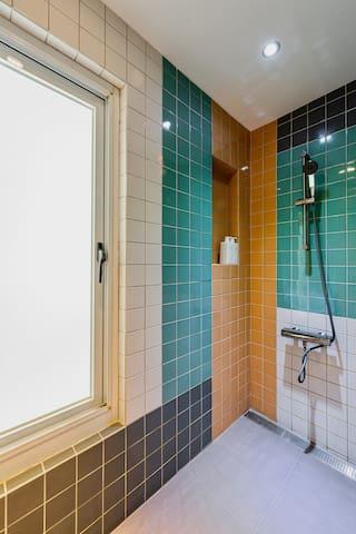 全新獨立衛浴 Shower room