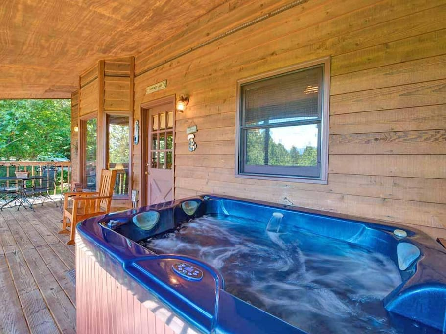The blissful hot tub - Nothing's as relaxing as a soak in a steamy hot tub among the fresh air and gentle mountain breeze. You ma