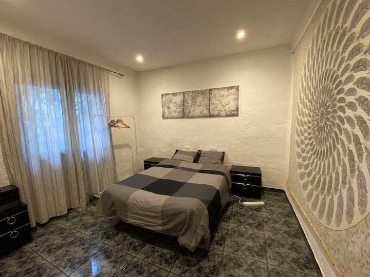 Big Double room in a house wth garden&terrace