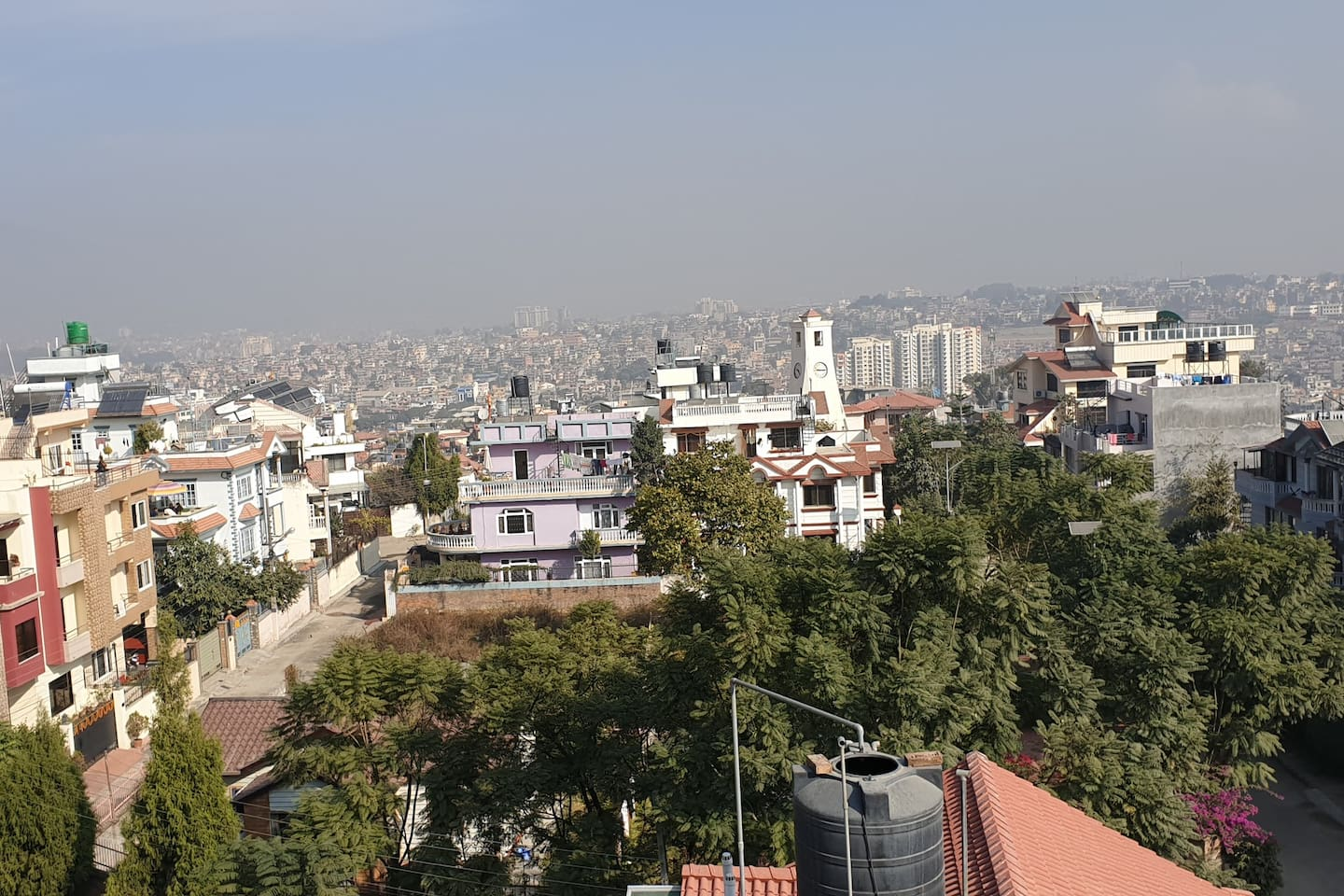 2 and half storey house with nice roof for viewing the entire kathmandu valley. Friendly family members with great hospitality and friendly atmosphere around. Good Restaurants are in close location  and nice neighborhood.
