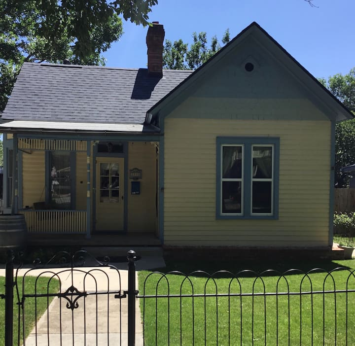 Quaint Cottage in Colorado Springs, Old Colo City
