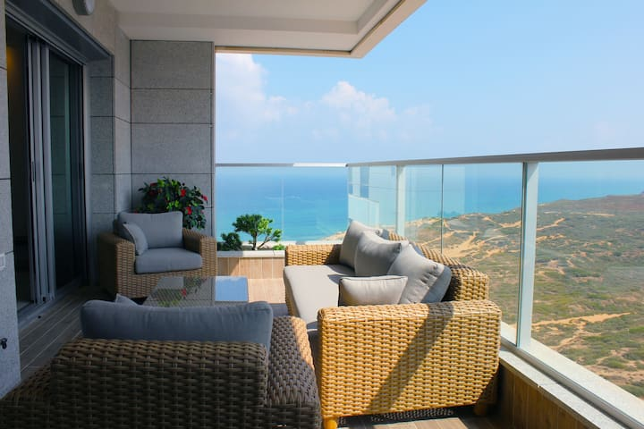 Mediterranean Luxury - On Beach, New!