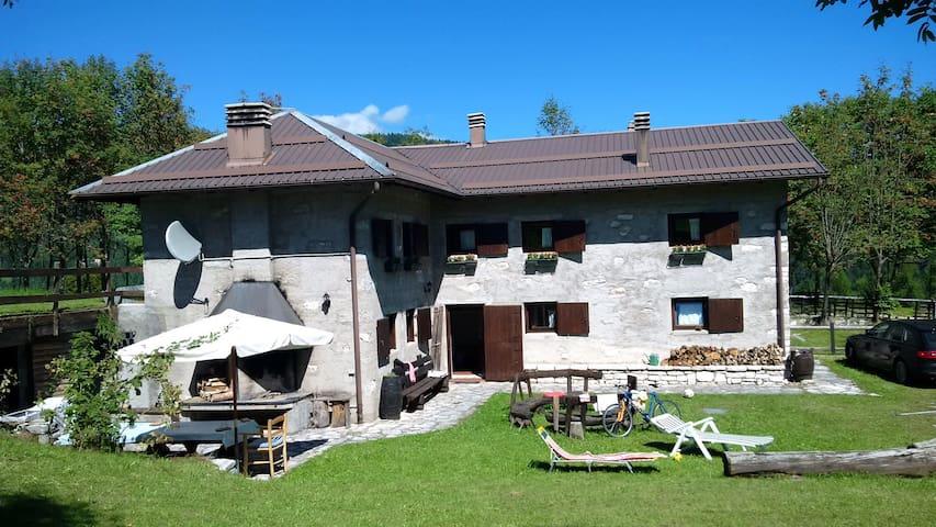 Maso Pino con 4 stanze e 12 posti letto - Celado, Castello Tesino - Other