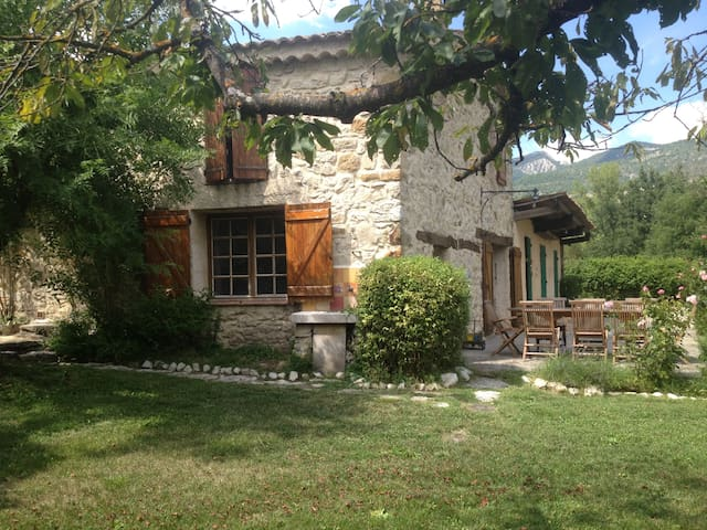 Maison Provençale de charme - Noyers-sur-Jabron - วิลล่า