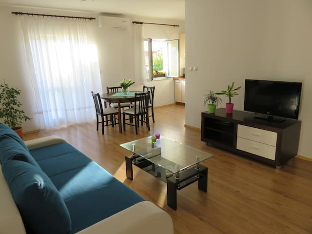 Angie Apartment A2