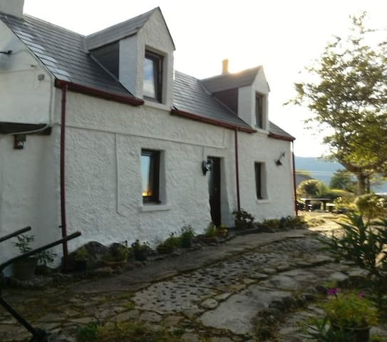 A Jewel in the Highlands - Traditional Cottage