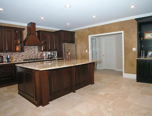 Private 1 Bedroom Apartment in Gated Community - Alpharetta - Appartement