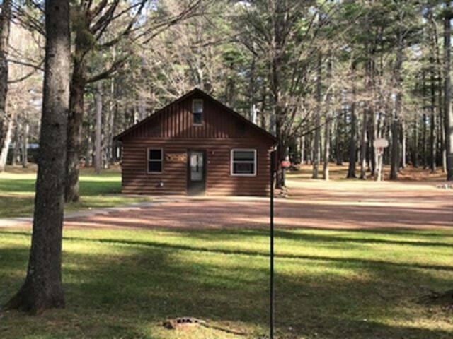 Pinecone cabin on beautiful Grand Portage lake.