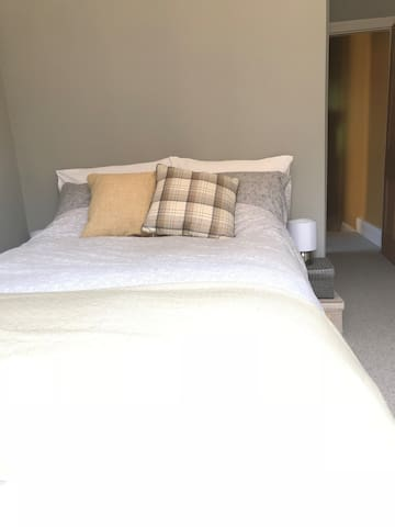Bright, Cosy double room with breakfast