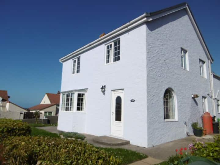 49 Le Banquage, Alderney Self Catering House