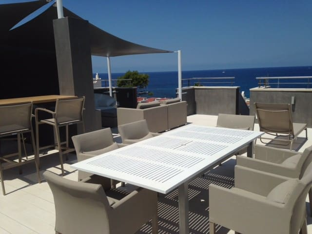 Roof Terrace Dining Table