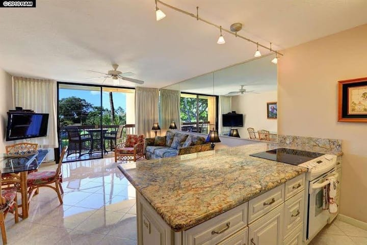 Upgraded And Steps Away From The Best Maui Beach !