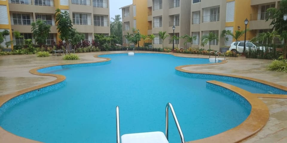 Goa Prime's Starco Junction Anjuna Home with pool