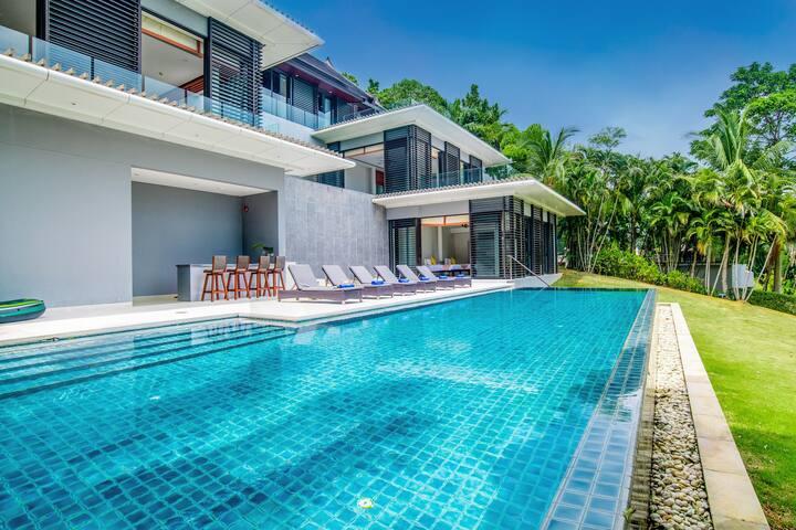 Luxury Villa Phuket: Private Beach & Seaview