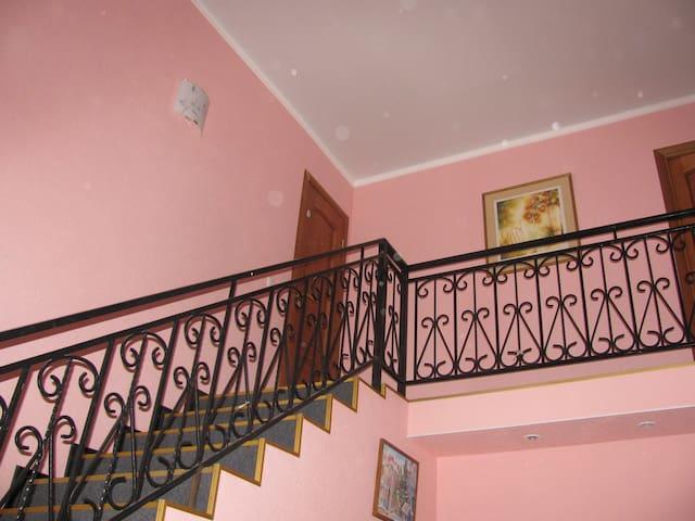 Уютная комната для путешественников (рядом с М-7) - Kazan - House