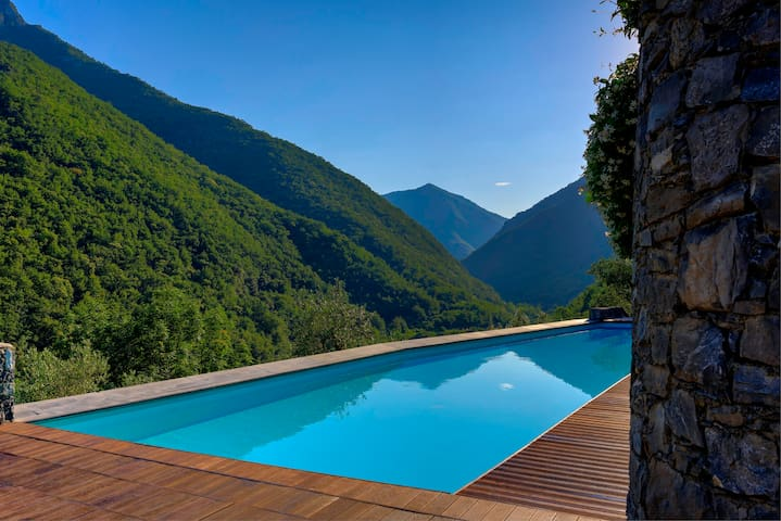 Appartamento in borgo medievale con piscina