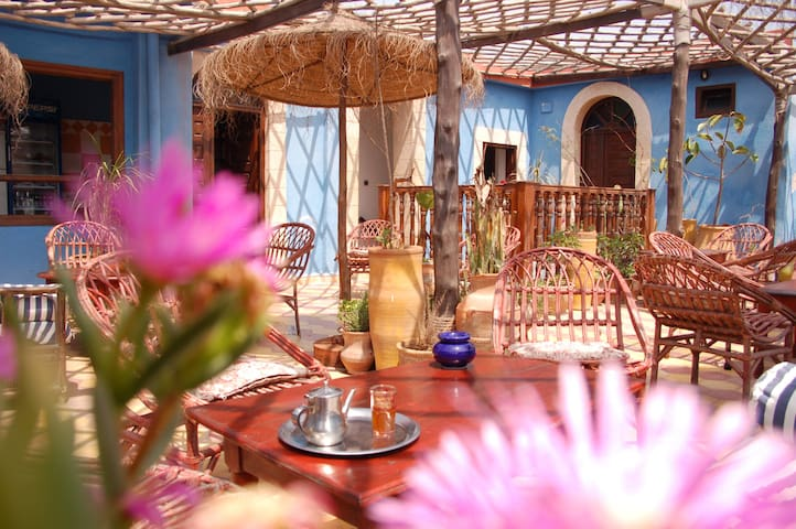 Chambre en terrasse ensoleillée au Grand Large - Essaouira - Guesthouse