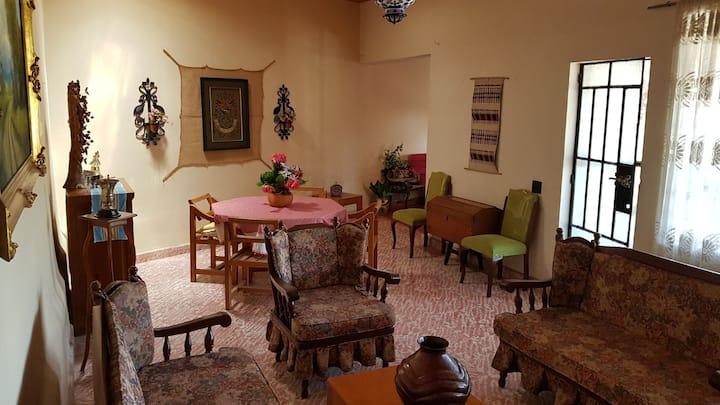 Casa Lupita. Justo en el corredor de Balnearios.