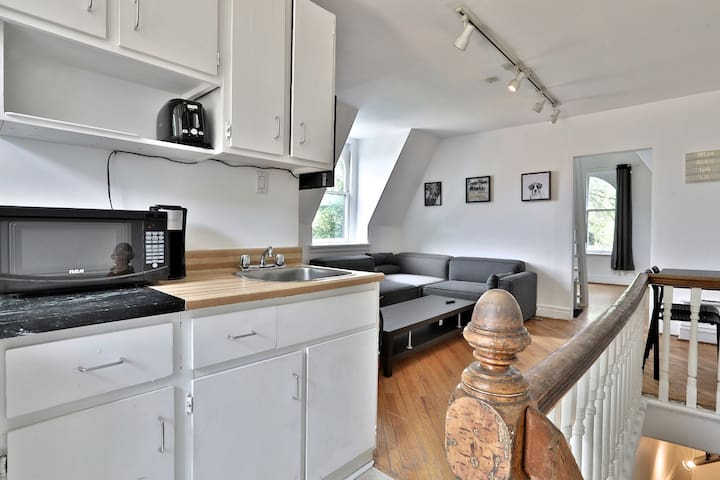 Kitchen Area Fully Stocked with all Amenities