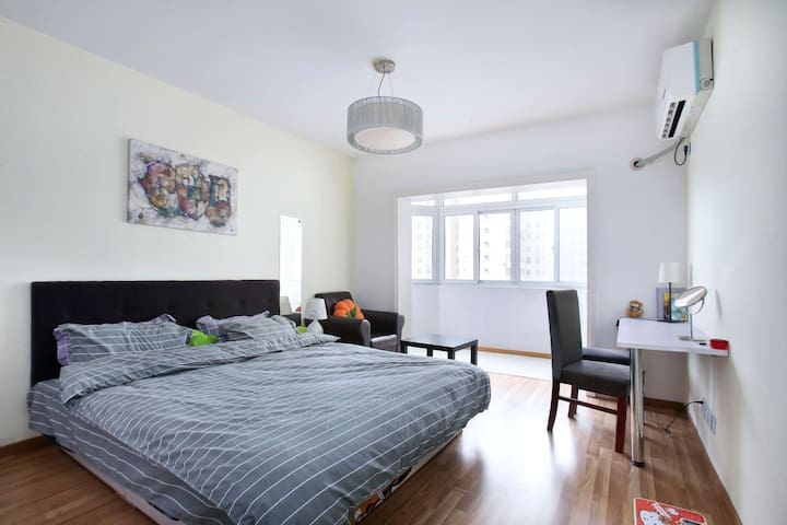 100sqm 17thFl Apt #UncensoredWifi#FrenchConcession - Shanghai - Leilighet