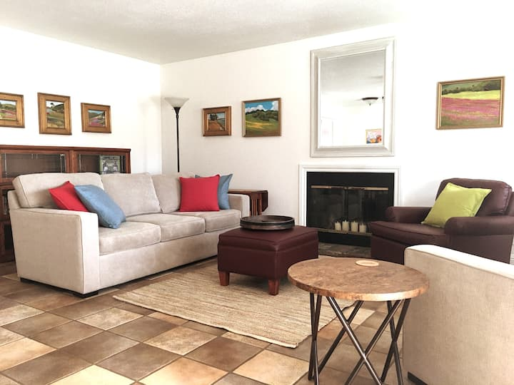 2 Cottages/2 Couples: social distancing vacation!