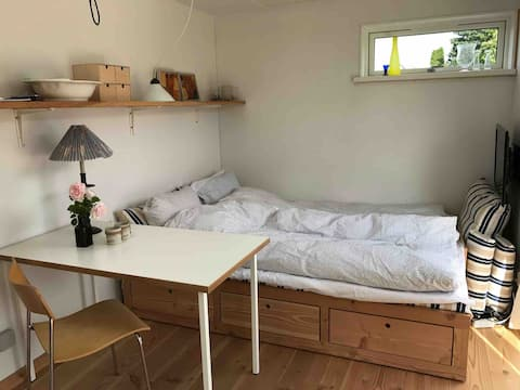 Velindrettet  hyggeligt lille gæstehus Eremitagen