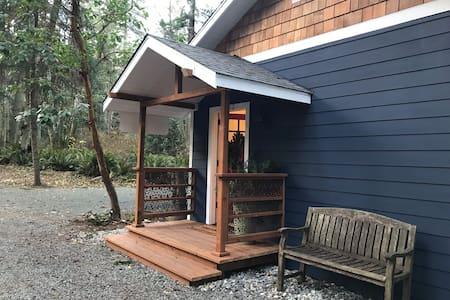 Salish Sea Island Dream  Brand NEW Langley Cottage