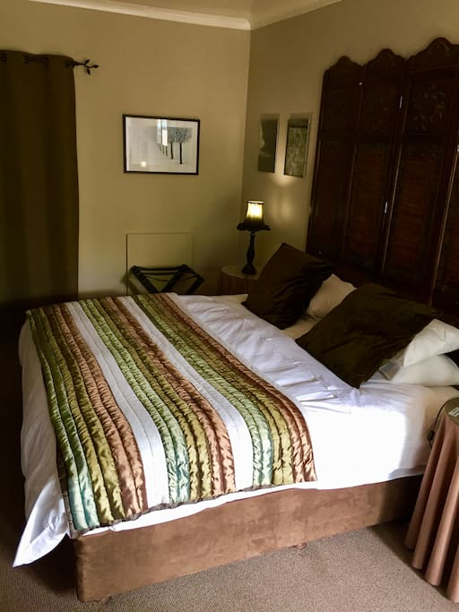 Room 4 - King size bed or two single beds available