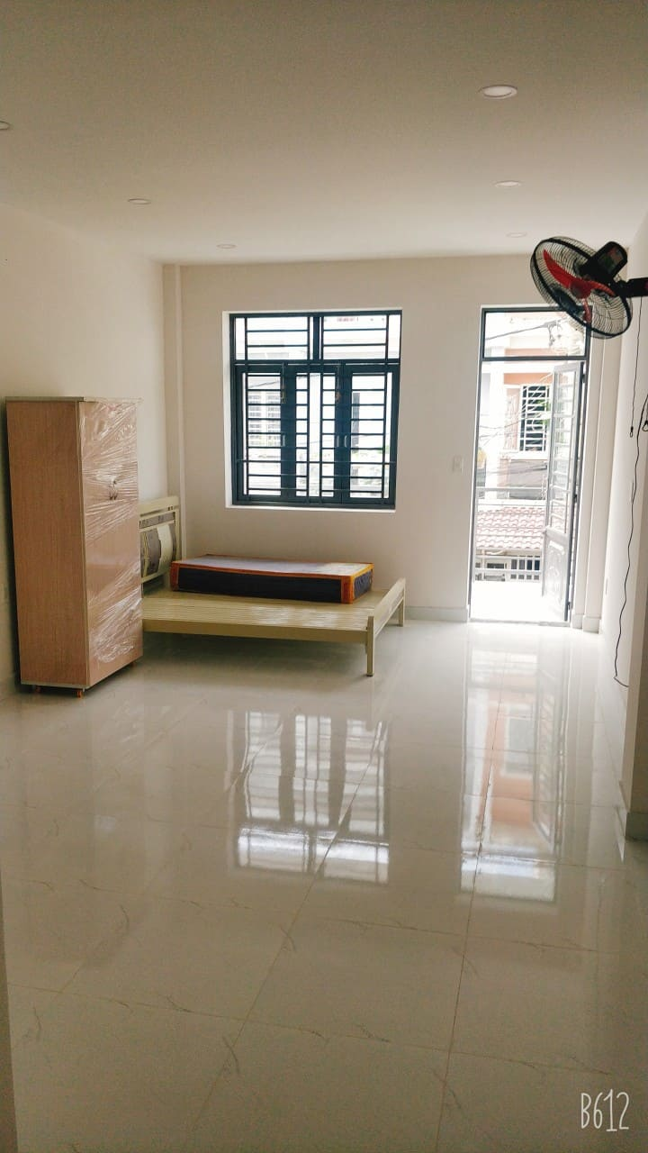 Clean, bright room for experts-Samsung Hitech Park