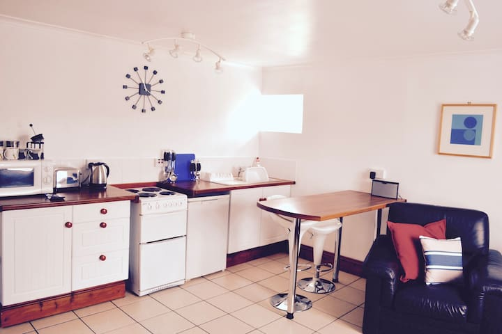 Self Contained Apartment with Utopia Apartments - Perranporth - Apartment